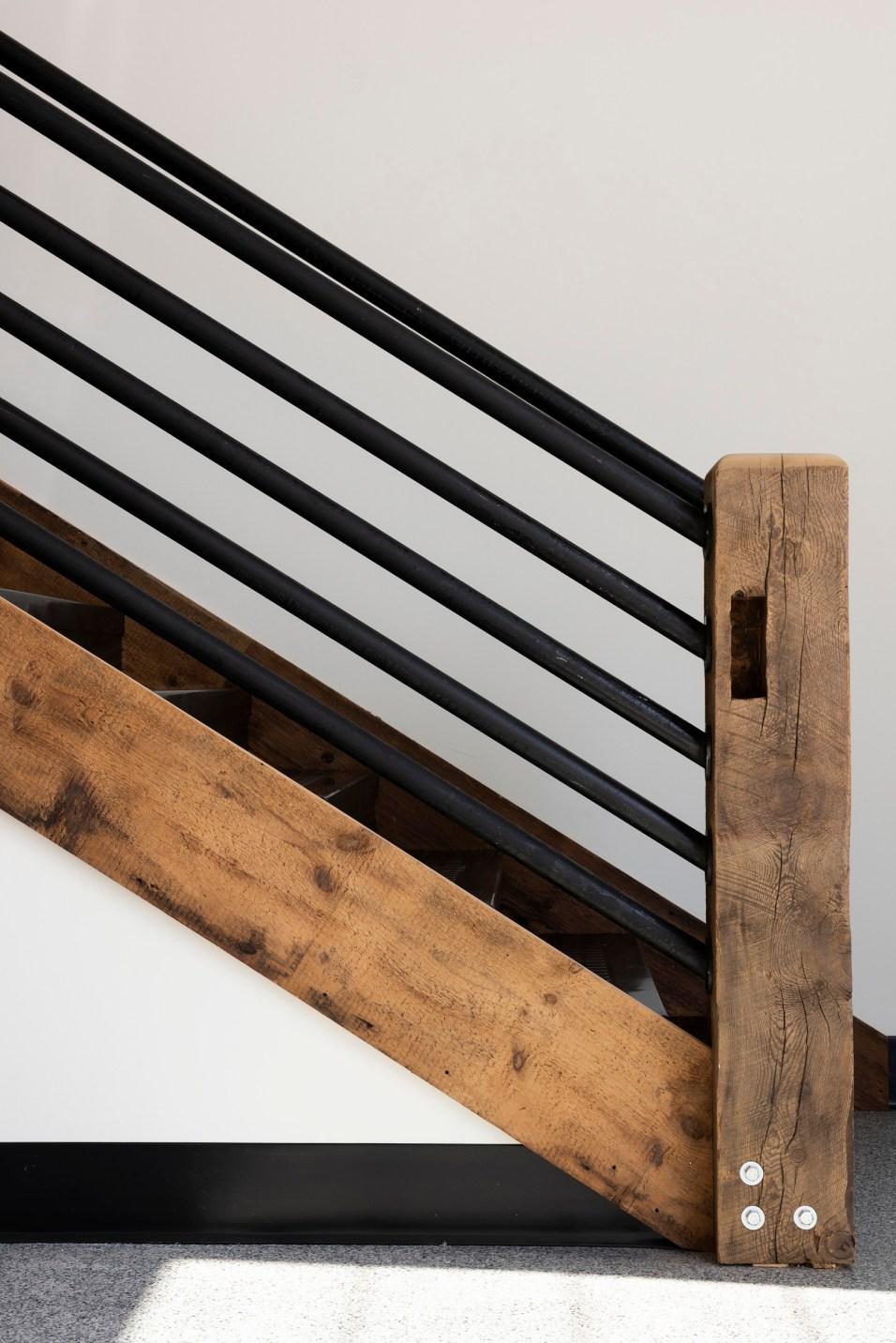 AutoMotorPlex Staircase