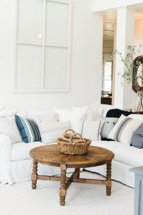White Farmhouse Decor
