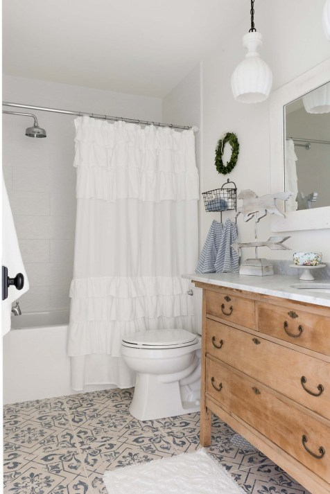 Farmhouse Kids Bathroom