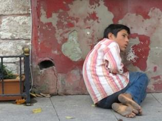 Barefoot Boy - Istanbul Turkey - November 2014