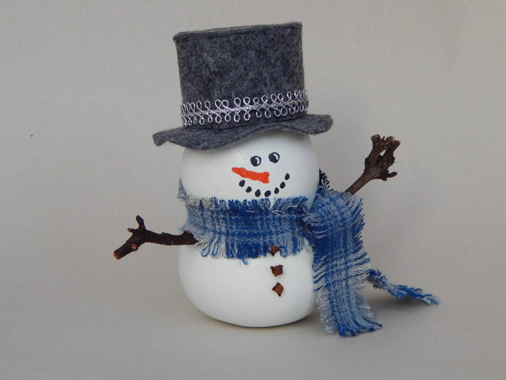 painted gourds, Christmas gourds, holiday gourds, snowman gourds, gourd snowman, holiday decor, Christmas decorations,