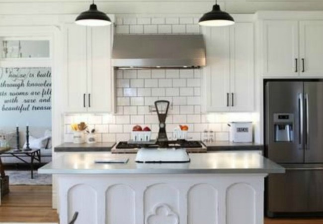 The Farmhouse Kitchen – Chip & Joanna Gaines