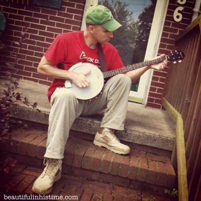 Banjo playin man Beauty in the Mess Edition 07.09.13 @beautifulinhistime.com