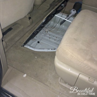 If your kid leaves the van door hanging open... (a messy #momlife tale)