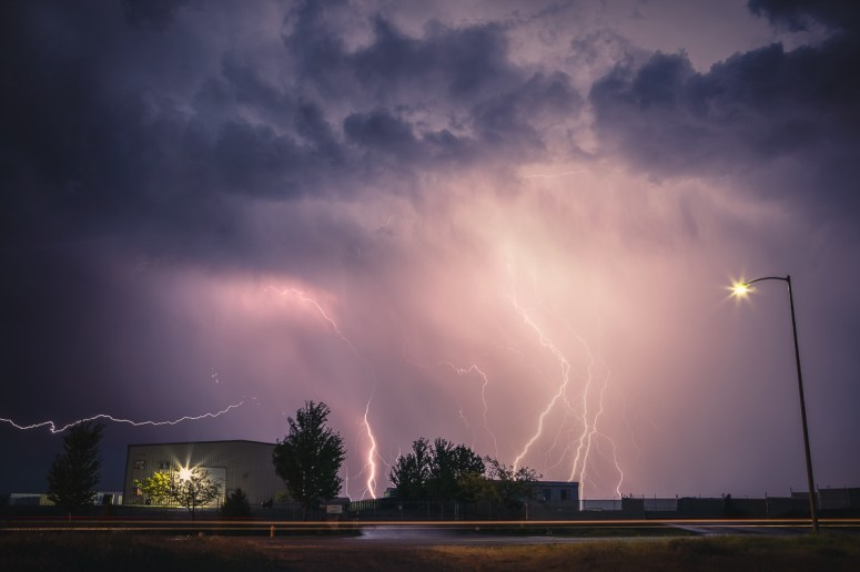 Thunderstorm in Tri-Cities, WA