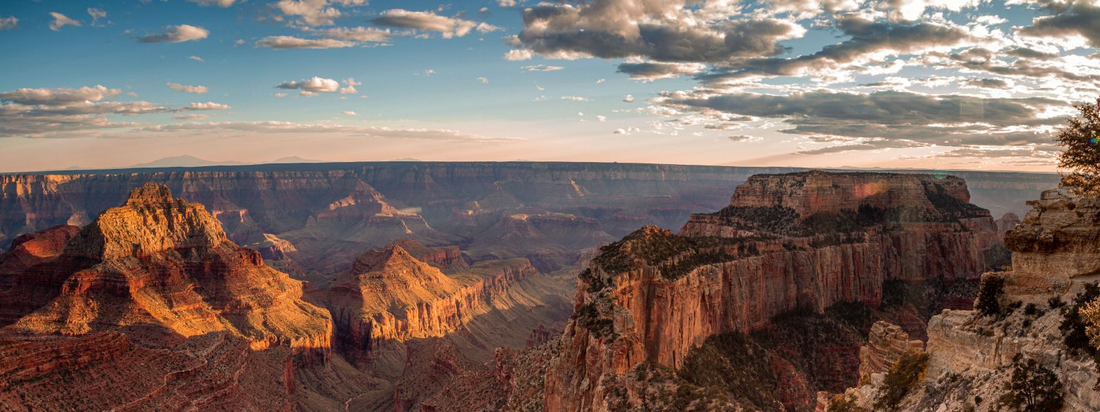 Panoramic view of the Grand Canyon at Sunset from the Northern Rim