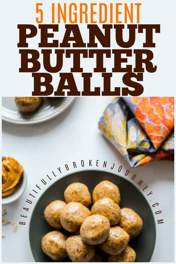 No bake Peanut Butter Protein balls are the perfect on-the-go snack! With only 5 ingredients they are quick and easy to make and they'll become a family favorite! #proteinballs #peanutbutterproteinballs #energyballs #proteinbites #peanutbutter #healthysnack #balancedsnack