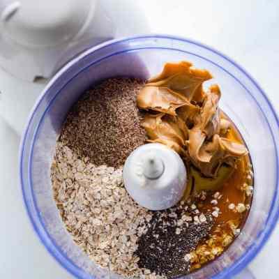 5 Ingredient Peanut Butter Protein Balls