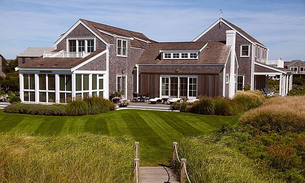 Nantucket style beach cottage beautifully seaside for Nantucket style homes