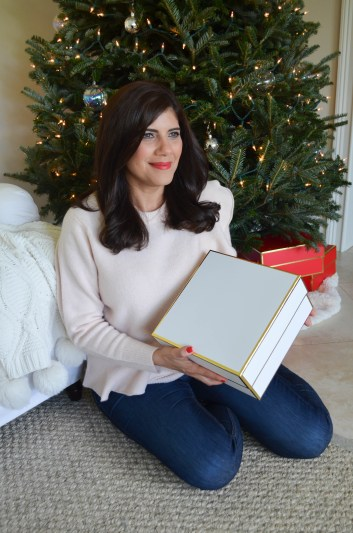 Lifestyle Blogger, Desiree of Beautifully Seaside, shares one festive way to add some holiday spirit to your home with Yankee Candles available at Walmart.