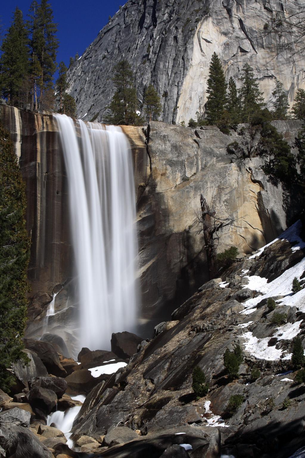 Vernal Falls Yosemite California Usa Beautiful Places