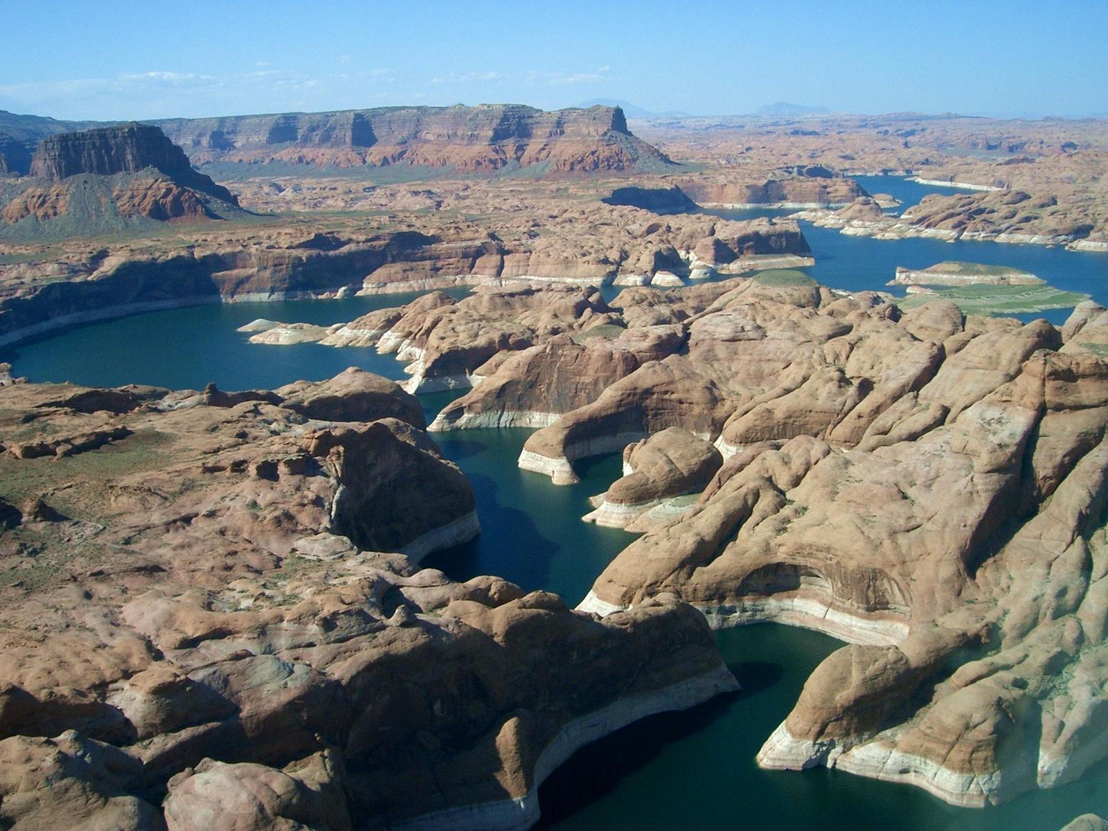 Lake powell utah and arizona united states beautiful for Lake powell fishing