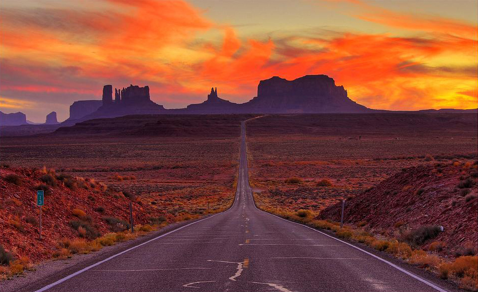 Monument Valley Arizona And Utah Usa Beautiful Places