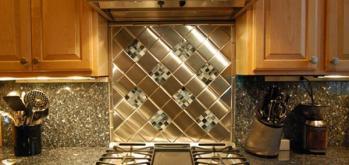 exciting-backsplash-tile-with-unique-pattern-with-interesting-glass-mosaic-kitchen-backsplash-pictures-kitchen-images-white-kitchen-mosaic-backsplash-metal-backsplash