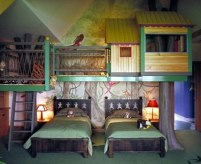 tree-house-bed-cool-rooms-for-boys-cool-kids-beds-for-boys-bedroom-cool-teenage-boys-bedroom-with-animal-printed-fur-rug-and-study-desk-and-platform-bed-and-blue-wall-paint-color-cool-boys-room
