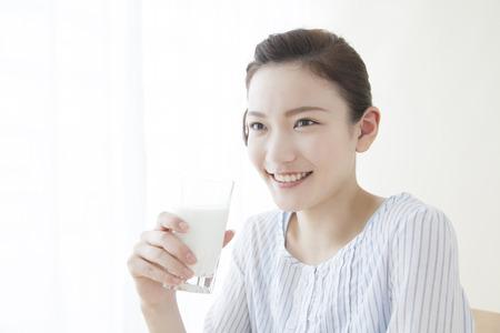43740961 - women who drink milk