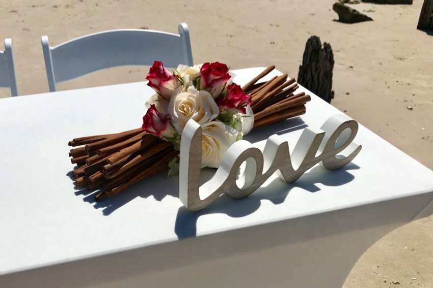 Signing Table Decor Beach