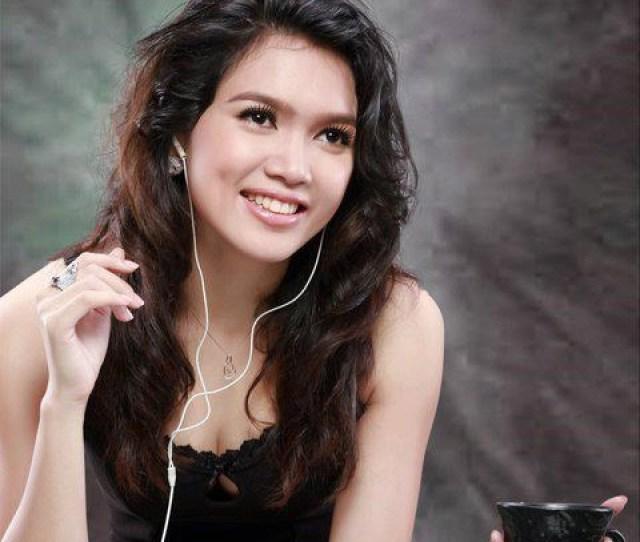 Aye Myat Thu Myanmar Model And Actress
