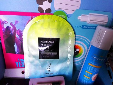 AHC Radiance Face Peeling & Cleansing Glove Skincare Facial Peeling Pad