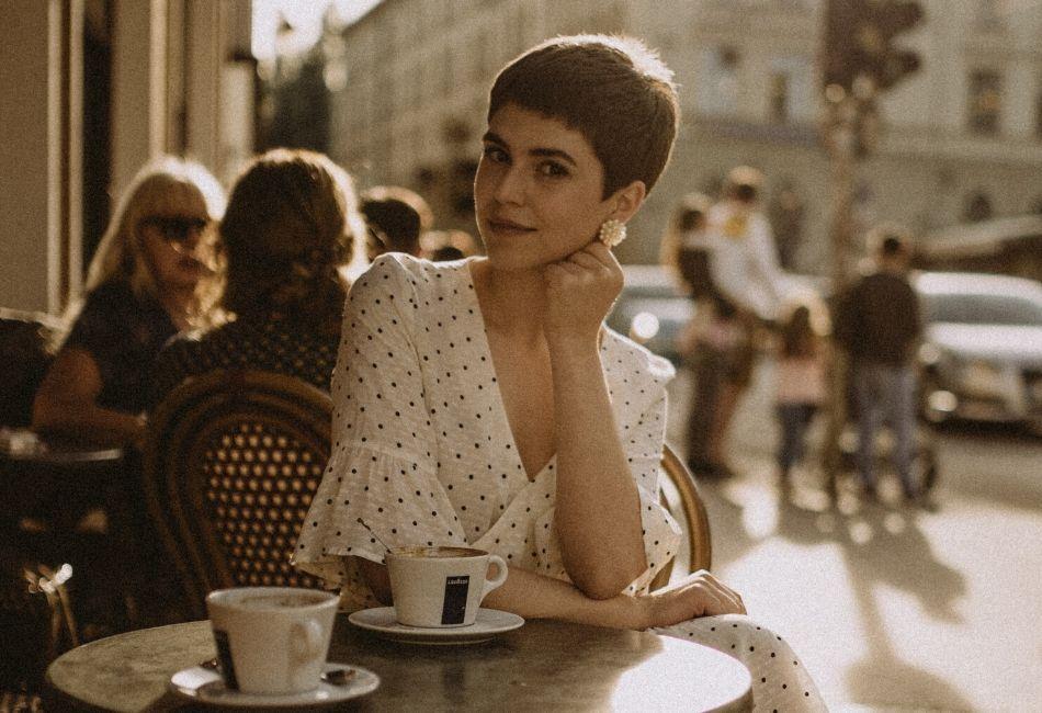 18 Brautfrisuren Fur Kurzes Haar Mit Kopfschmuck Ideen Spotted Auf