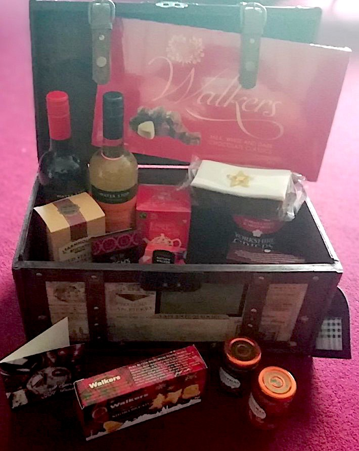 Prestige Hampers Christmas Chest