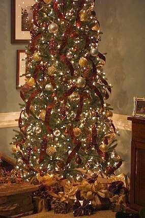 Welcome To The Paged Dedicated Christmas Tree Ideas Of Silver And Gold Themes With Emphasis On Or Both Can Be Found Below Click