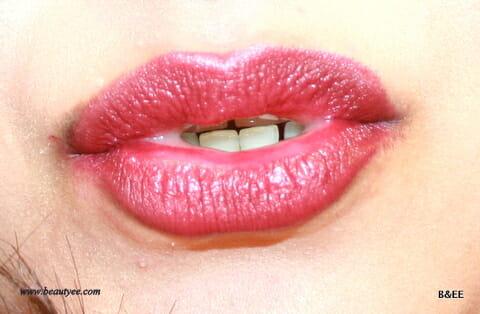 Vampy Red Lipstick Look