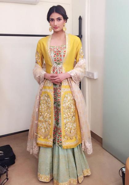 athiya-shettydiwali outfit inspiration