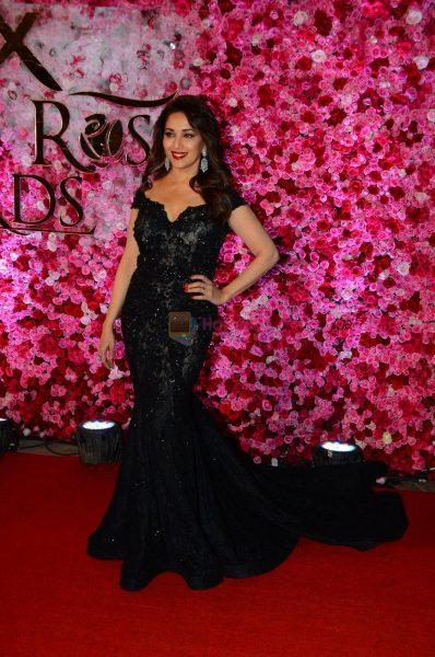 Madhuri Dixit at Lux Golden Rose Awards 2016 on 12th Nov 2016 shown to user