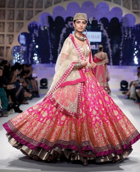 ritu-kumar-indian-bridal-dresses-collection-2