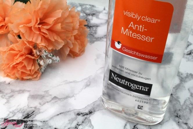 neutrogena-visibly-clear-gesichtswasser-5