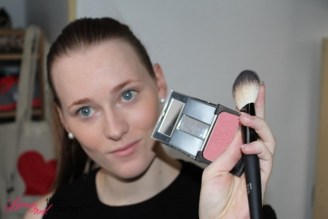 make-up-factory-tageslook-step-1-8