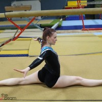 Mit 10 Übungen einfach Spagat lernen [Turn-Tutorial]