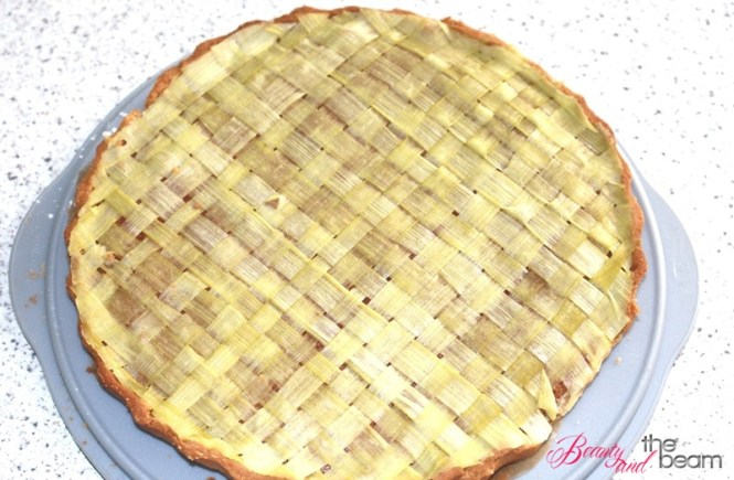Rhabarbar Tarte a la Bake Club | Beauty and the beam
