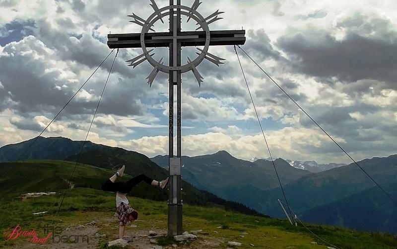 [Travel] KAT walk Etappe 2 - Gipfelstürmer auf Händen