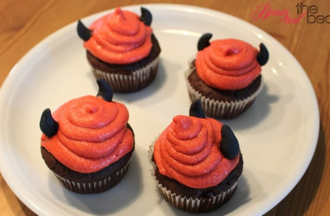 [Halloween] einfache Teufel Cupcakes | Beauty and the beam