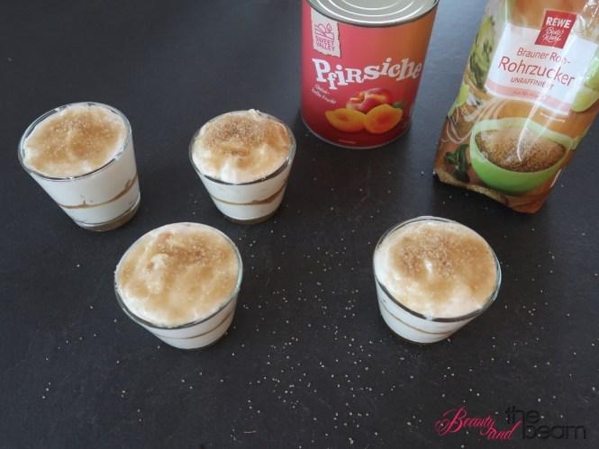 Griechischer Joghurt mit Pfirsichen