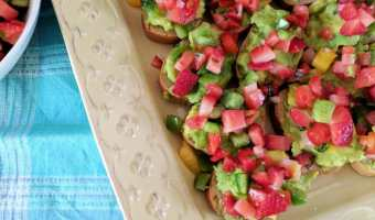 Strawberry Avocado Crostini #SundaySupper #FLStrawberry
