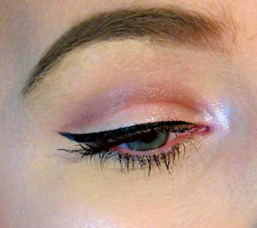 Classic winged liner