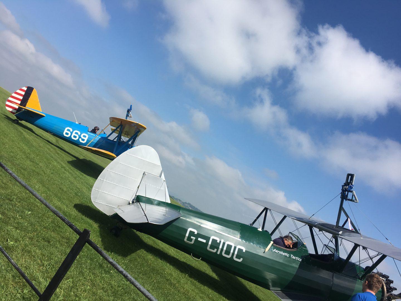 Wing Walk Planes
