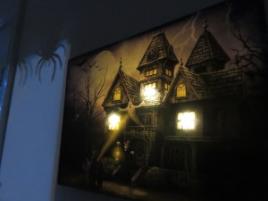 Decorating for Halloween 2018