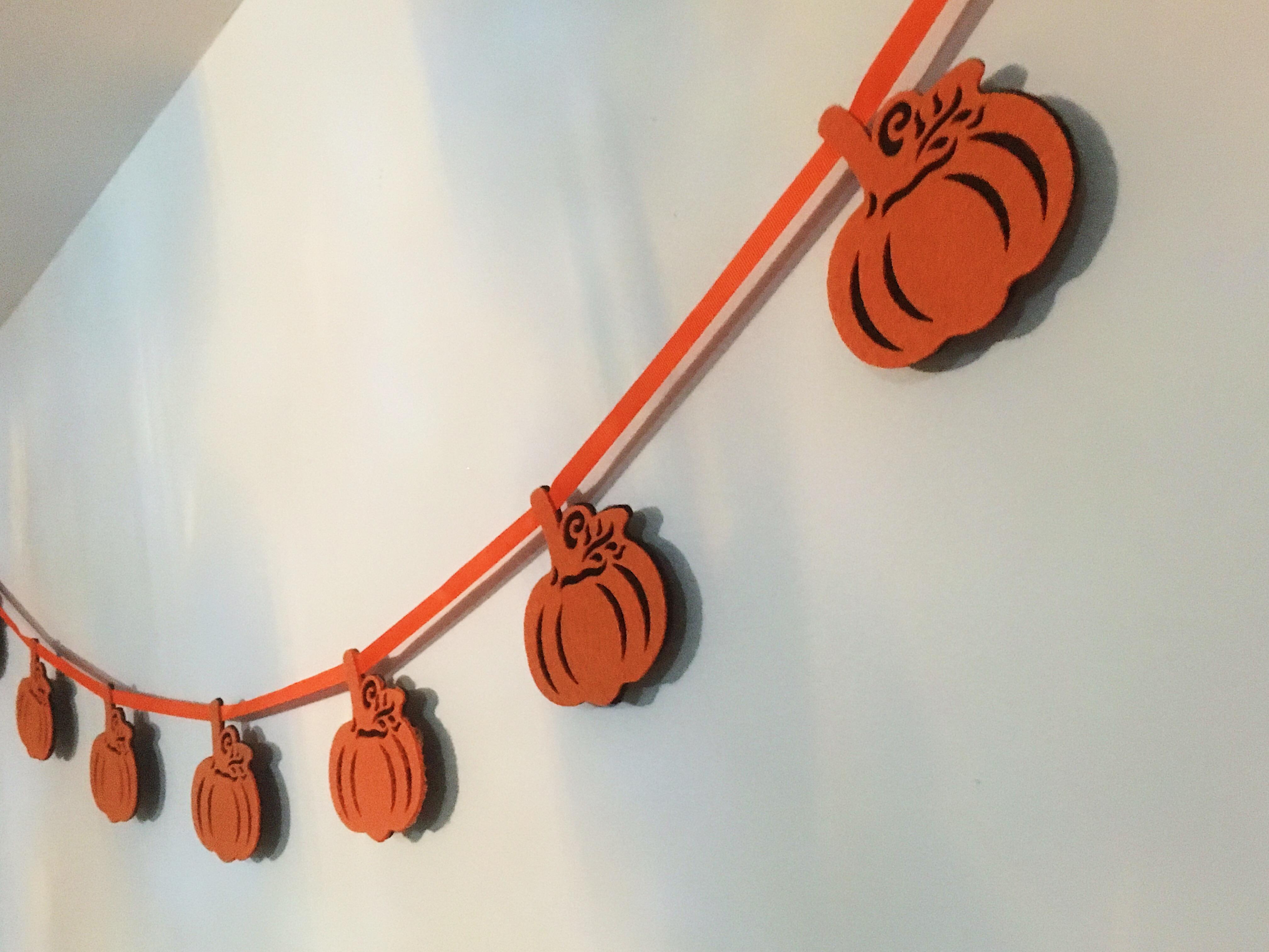 Pumpkin garland - autumn homeware