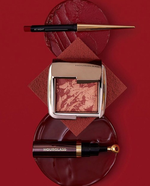 Hourglass At Night Ambient Lighting Blush