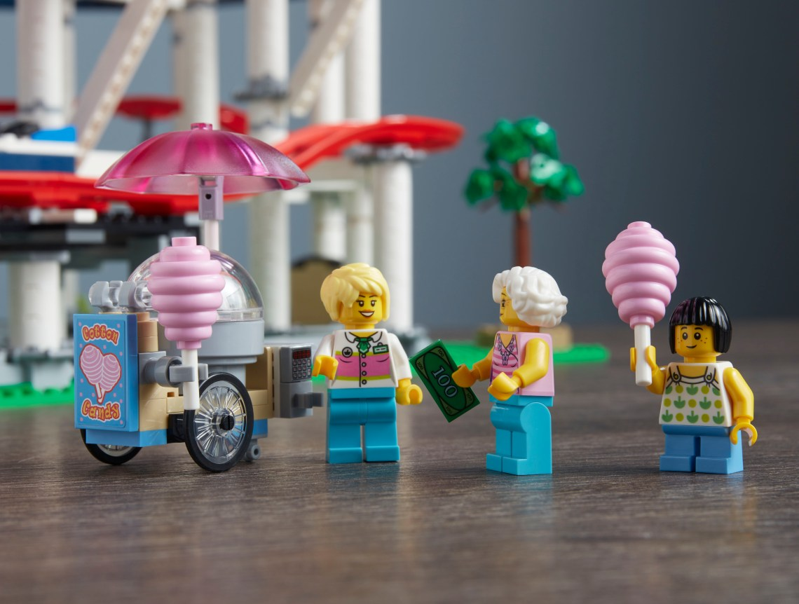 LEGO Creator Expert: Roller Coaster Cotton Candy Stand