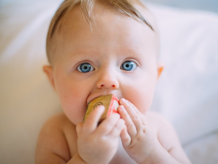 I've curated a list of baby teething toys that are infant tested and approved by Beauty and the Bump's in-house baby toy tester.