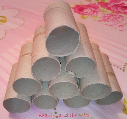 paper-rolls-christmas-tree