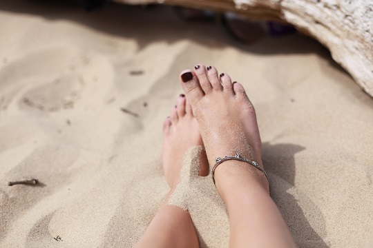 Foot Reading What Your Toes Reveal Beauty And The Mist