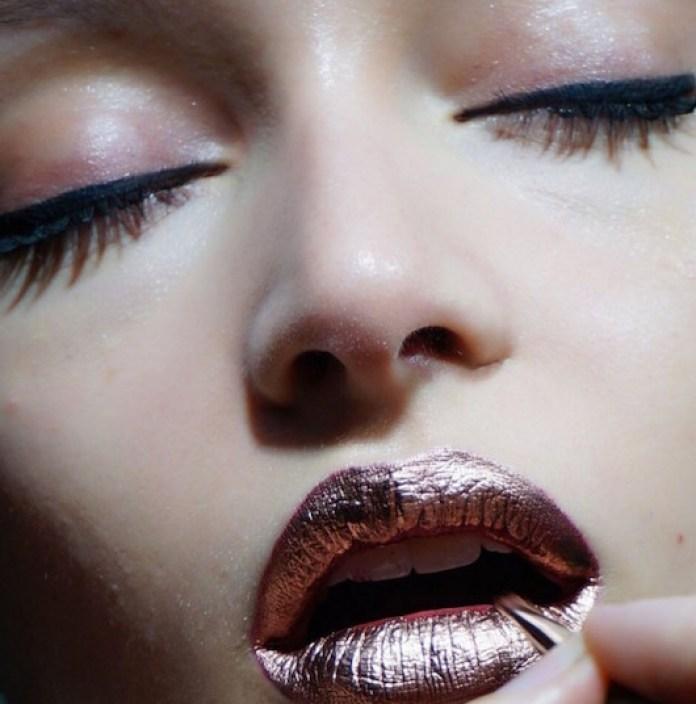 Imagini pentru metallic lips