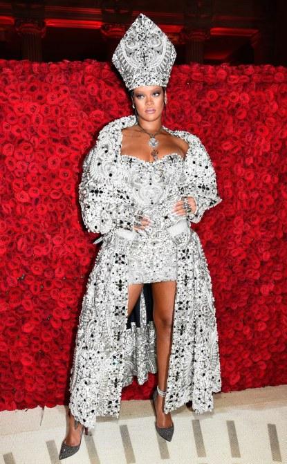 Syme-Met-Gala-Rihanna