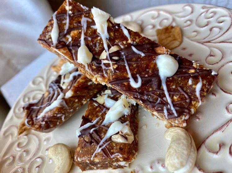 Caramel Apple Bars by BeautyBeyondBones #grainfree #glutenfree #vegan #paleo #vegetarian #dessert #keto #specificcarbohydratediet #edrecovery #food #breakfast #chocolate